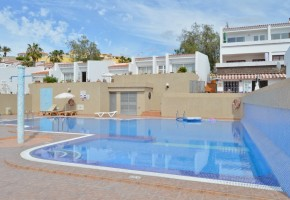 2 bed 2 bath garden apartment for sale in Island Village, just 245,000€!