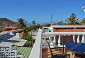 4 Bed, 3 Bath Villa with Sea Views for Sale in Chayofa 375,000€