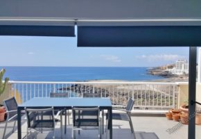 3 Bed 4 Bath Penthouse Apartment for sale, Frontline in Los Abrigos 258,000€